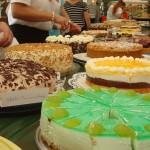 Für den Seniorennachmittag wurden eifrig Torten gespendet